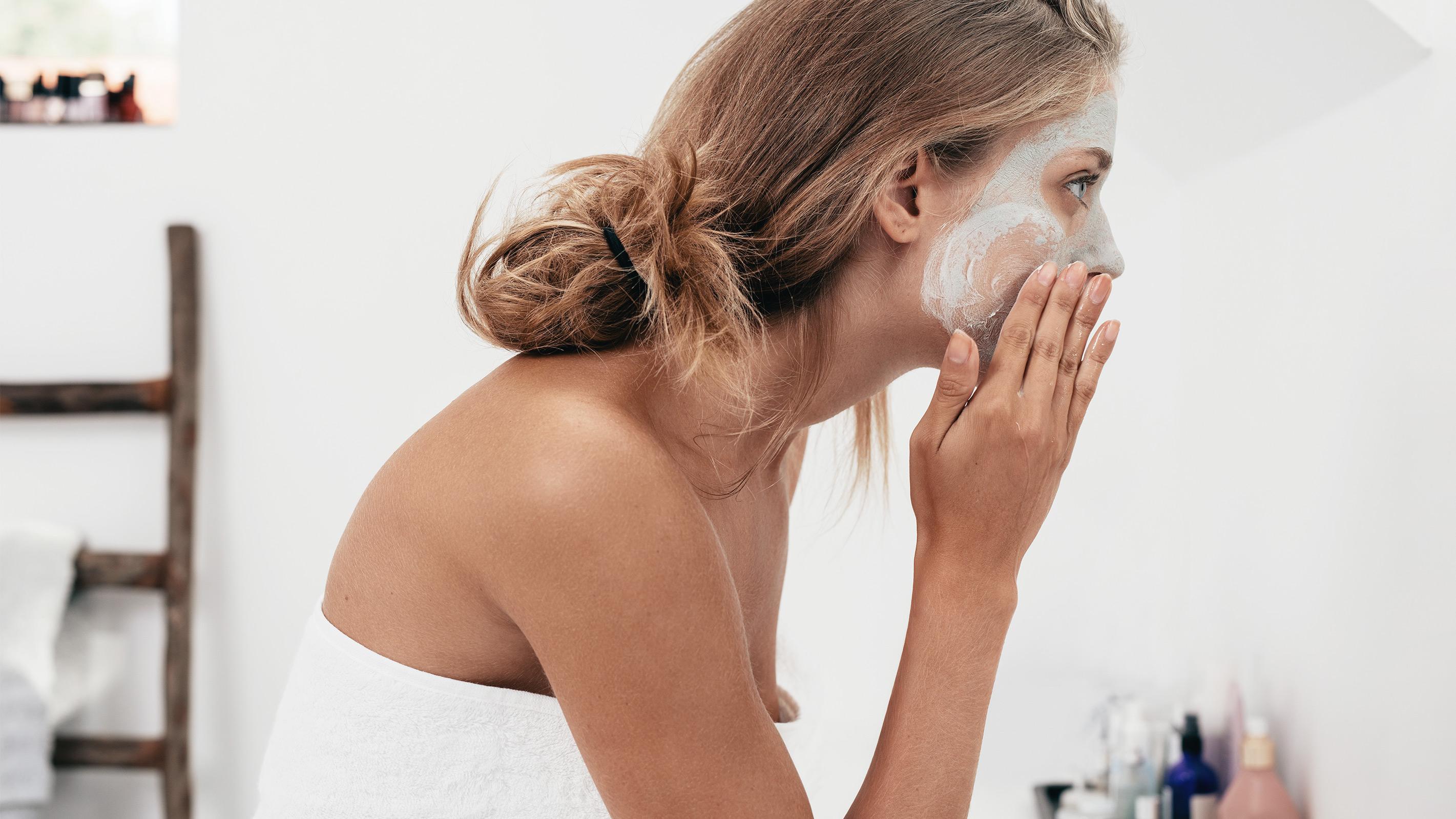 Feuchtigkeitspendende Gesichtsmaske