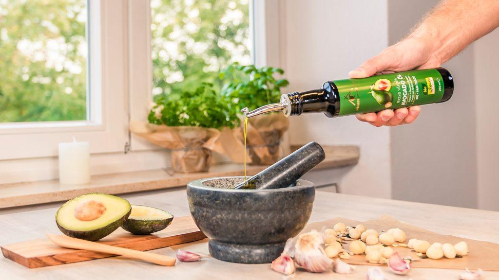 Frisches Avocadoöl aus Neuseeland von Neuseelandhaus