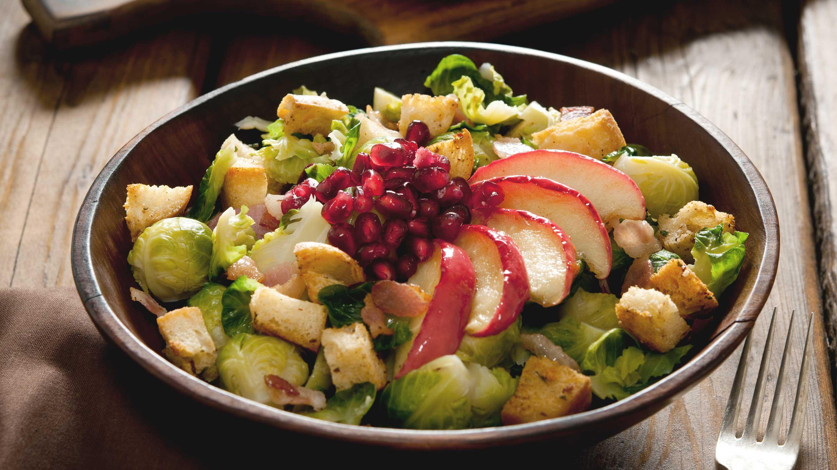 Apfelrezepte: Salat mit Apfel und Rosenkohl